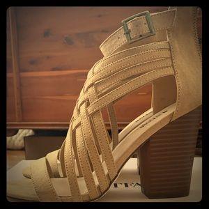 JustFab tan heeled sandals size 8.5